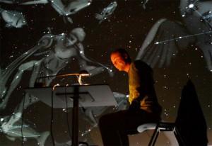 Dietmar Hager während eines Vortrags im Deep Space des Ars Electronica Center