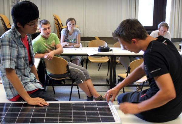 Erste Diskussion über das Solarzellen-Experiment