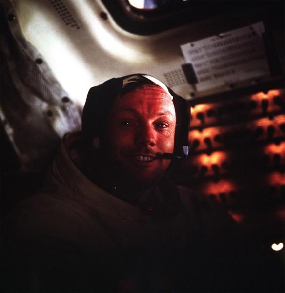 "Neil Armstrong im Mondlandemodul ""Eagle"""