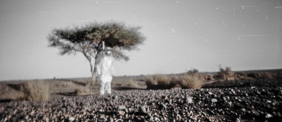Lochkamerabild: Mars Analog Raumanzug (c) Stefan Hauth